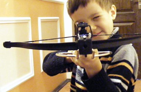 Восторгу юного стрелка нет предела.