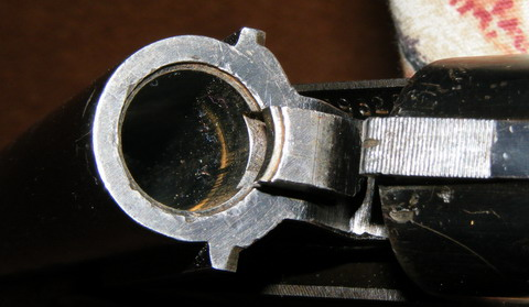 ИЖ18. Казенная часть ствола и экстрактор.