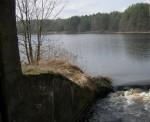 Вода перед входом в плотину.