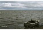 Таганрог. катер на берегу залива.