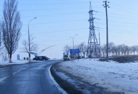 Гибель рыбы на Киевском водохранилище. Въезд на плотину ГЭС.