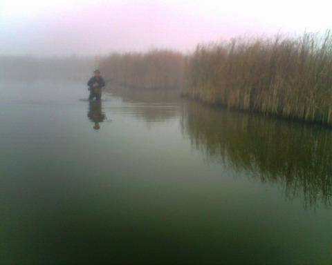 Охота в Черкасской области. Виталий на озере.