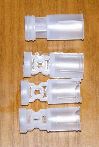 Отечественные пыжи-контейнеры 20-го калибра. Верхний - 16-го калибра зарубежного производства.