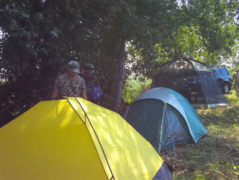 Палатки на охоте в Бугаевке.
