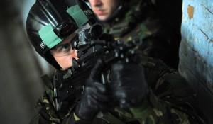 <b>Британские морпехи вооружаются «кольтами»</b>